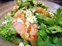 びんちょうまぐろと春菊の韓国風サラダ
